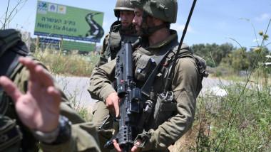 Soldați israelieni