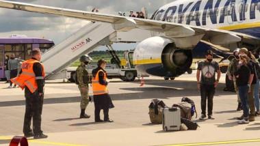 Avion Ryanair la sol