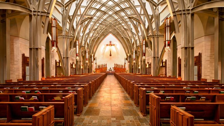 Români arestați în SUA pentru 636 de furturi din biserici