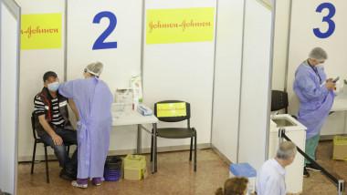 Centru de vaccinare a la maratonul organizat la Sala Palatului.