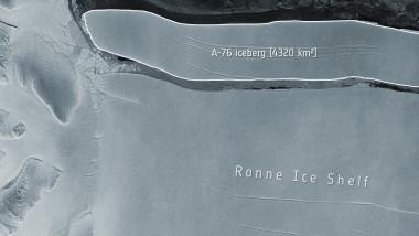 imagine din satelit al celui mai mare aisberg din lume