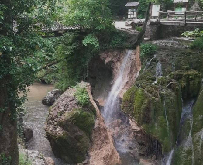 Precizarile Romsilva dupa prabusirea cascadei Bigar: A cedat sub propria greutate. Cascada se va regenera
