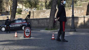 carabinieri si masina de interventie