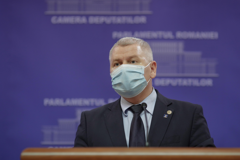 """Deputatul PNL Florin Roman: Ludovic Orban i-a """"tradat"""" pe primarii liberali la negocierile privind formarea coaliţiei şi a Guvernului"""