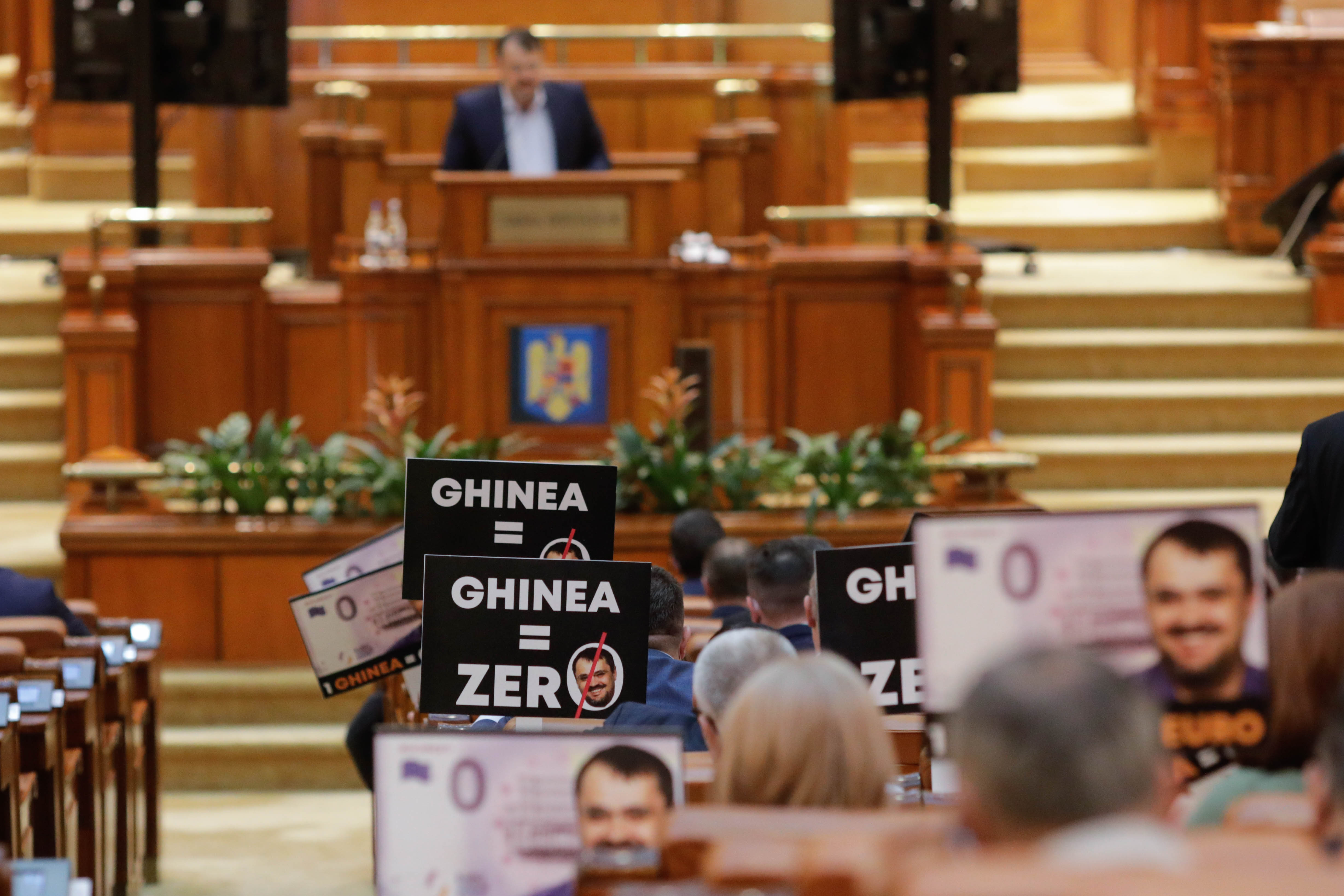 Motiunea simpla depusa de PSD impotriva ministrului Cristian Ghinea a fost respinsa