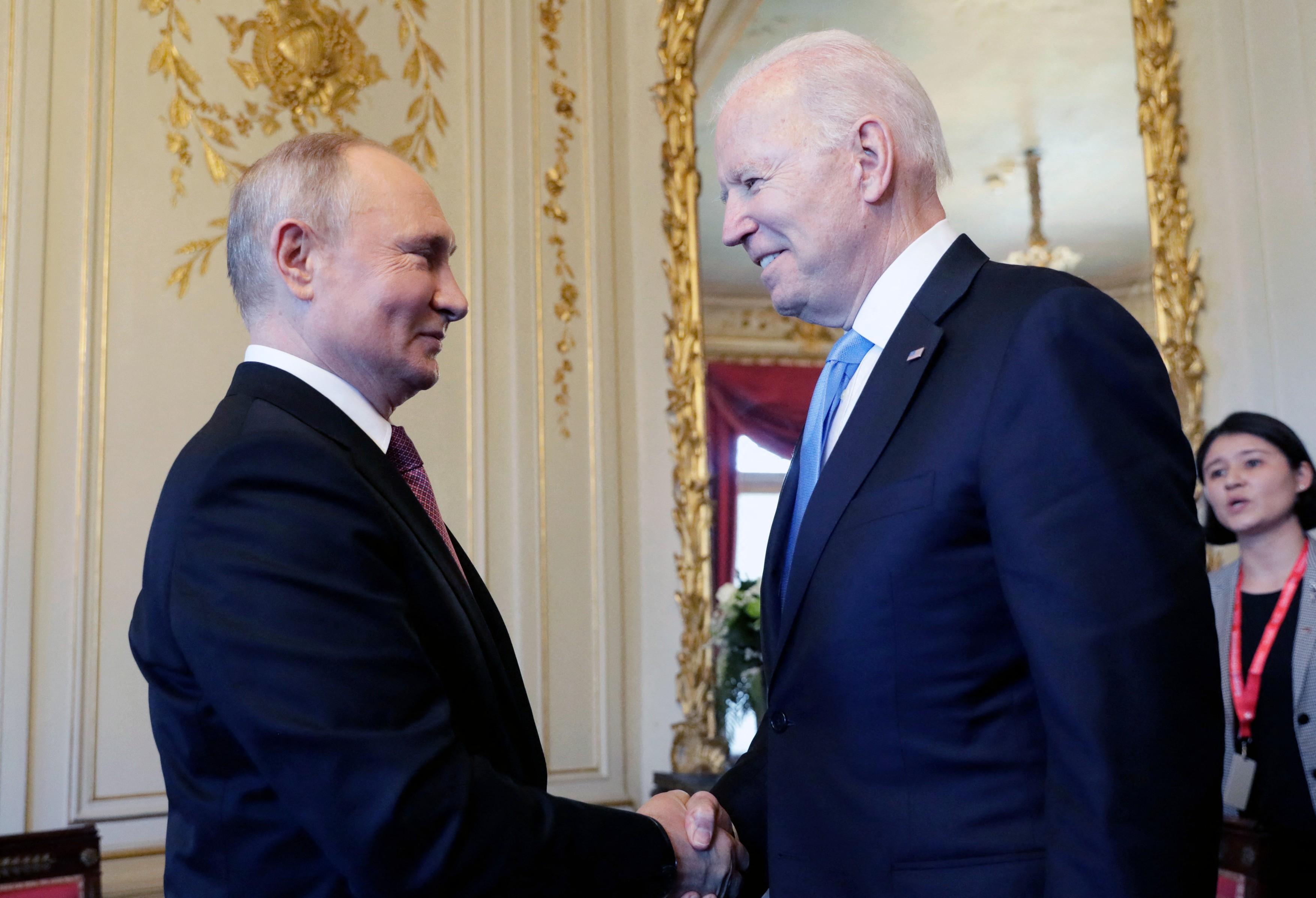 O expertă în limbajul trupului decodifică întâlnirea Biden - Putin. Ce au transmis cei doi lideri fără să vorbească VIDEO