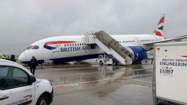 avion BA roata rupta 1