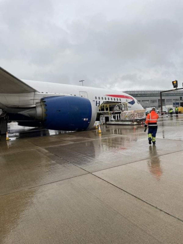 avion BA roata rupta 3
