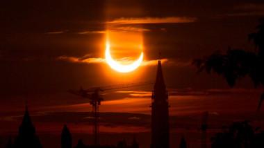 Ott Hill Eclipse, Ottawa, Canada - 10 Jun 2021