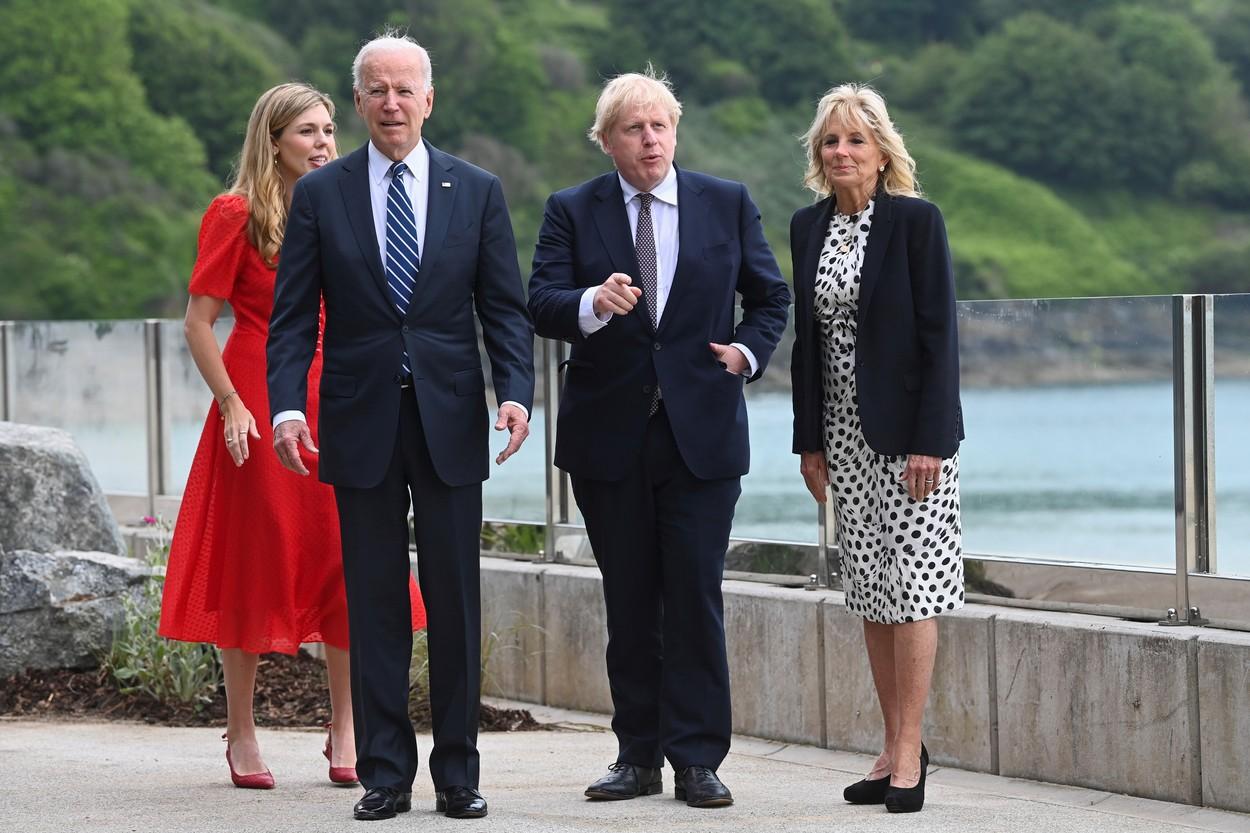 Președintele SUA și Prima Doamnă se află în vizită în Europa. Mesajul de pe sacoul lui Jill Biden, la întâlnirea cu premierul Marii Britanii