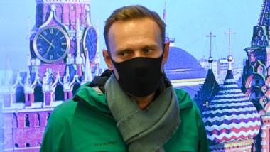 Alexei Navalnîi cu masca pe fata