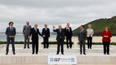 Liderii G7 Justin Trudeau, Charles Michel, Joe Biden, Yoshihide Suga, Boris Johnson, Mario Draghi, Emmanuel Macron, Ursula von der Leyen și Angela Merkel