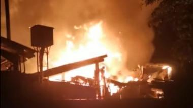 incendiu-fabrica