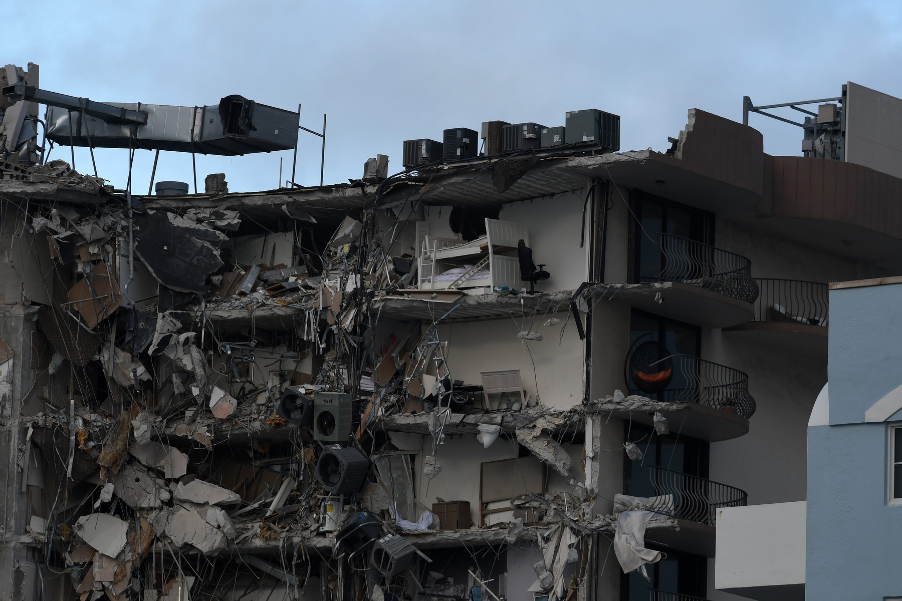 Occupied Miami Beach condo in upscale Surfside neighborhood collapses in the night leaving many feared injured or dead