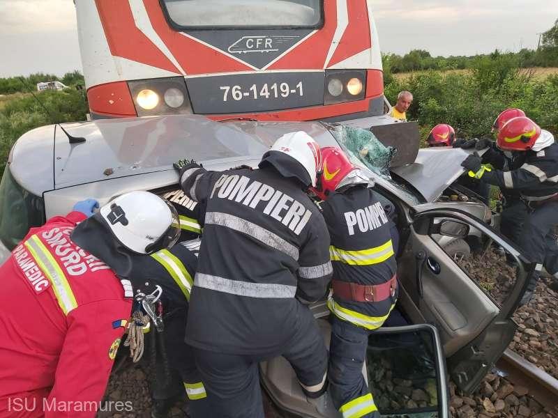 accident tren masina isu maramures 1