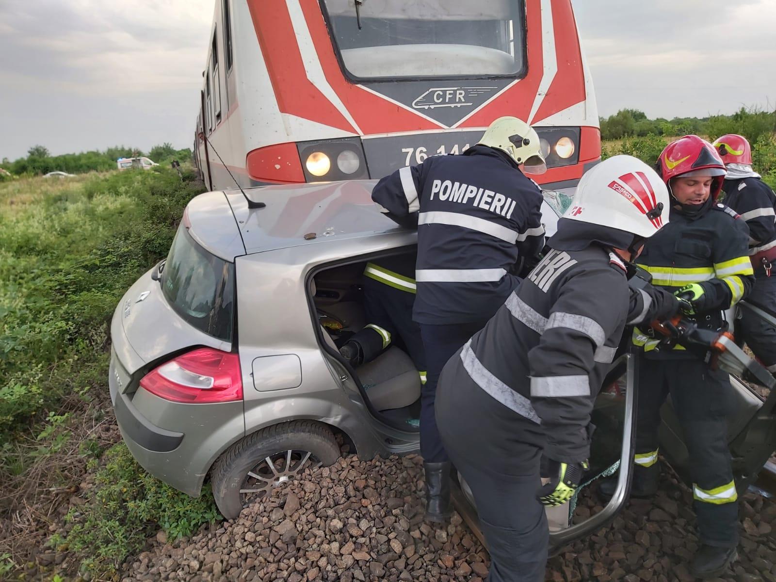 accident tren masina isu maramures 2