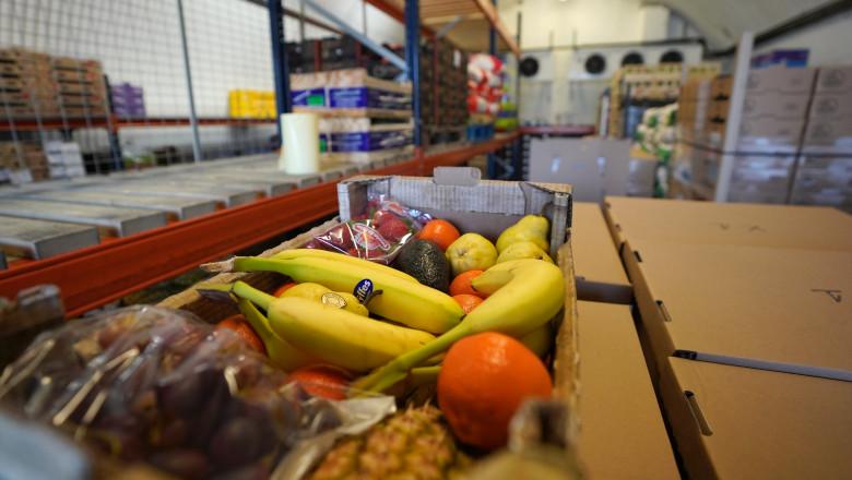 mancare fructe depozit