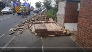 zid darmat de o furtuna puternica in londra