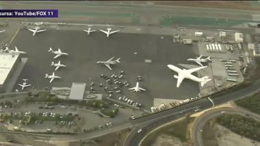 Un bărbat a sărit din avionul care se pregătea să decoleze.