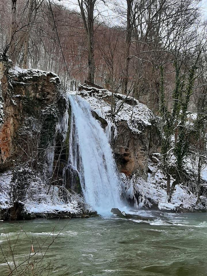 cascada-vadu-crisului-fb.jpg5