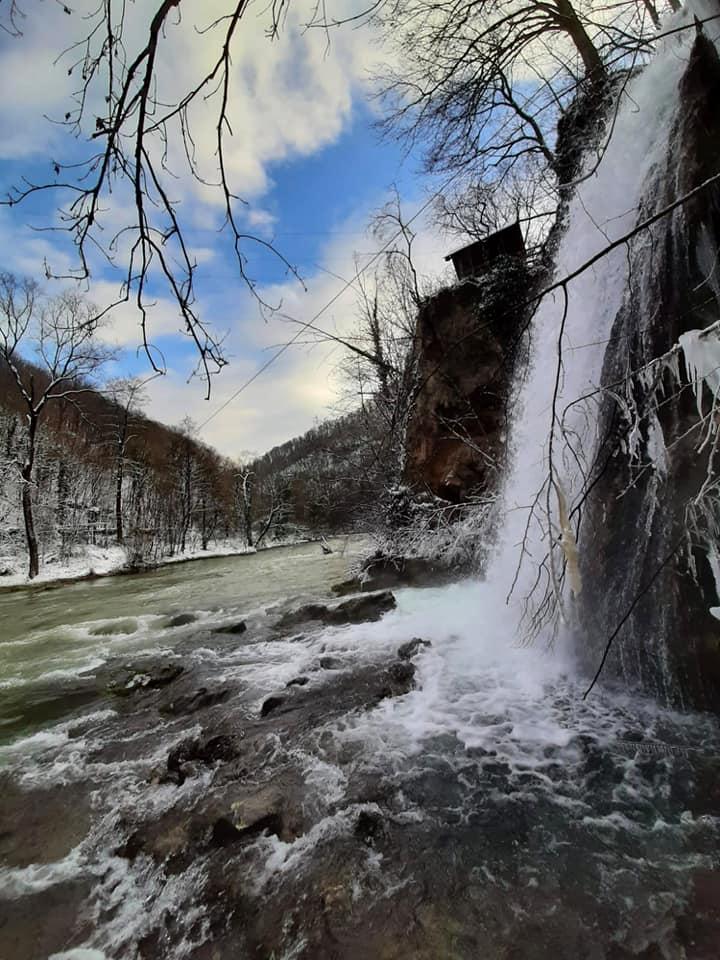 cascada-vadu-crisului-fb.jpg4