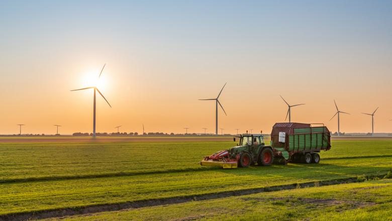 tractor pe camp turbine eoliene