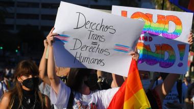 marș pentru drepturile persoanelor trans