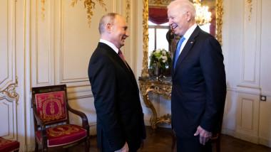 Putin și Joe Biden surprinși râzând la întâlnirea de la Geneva