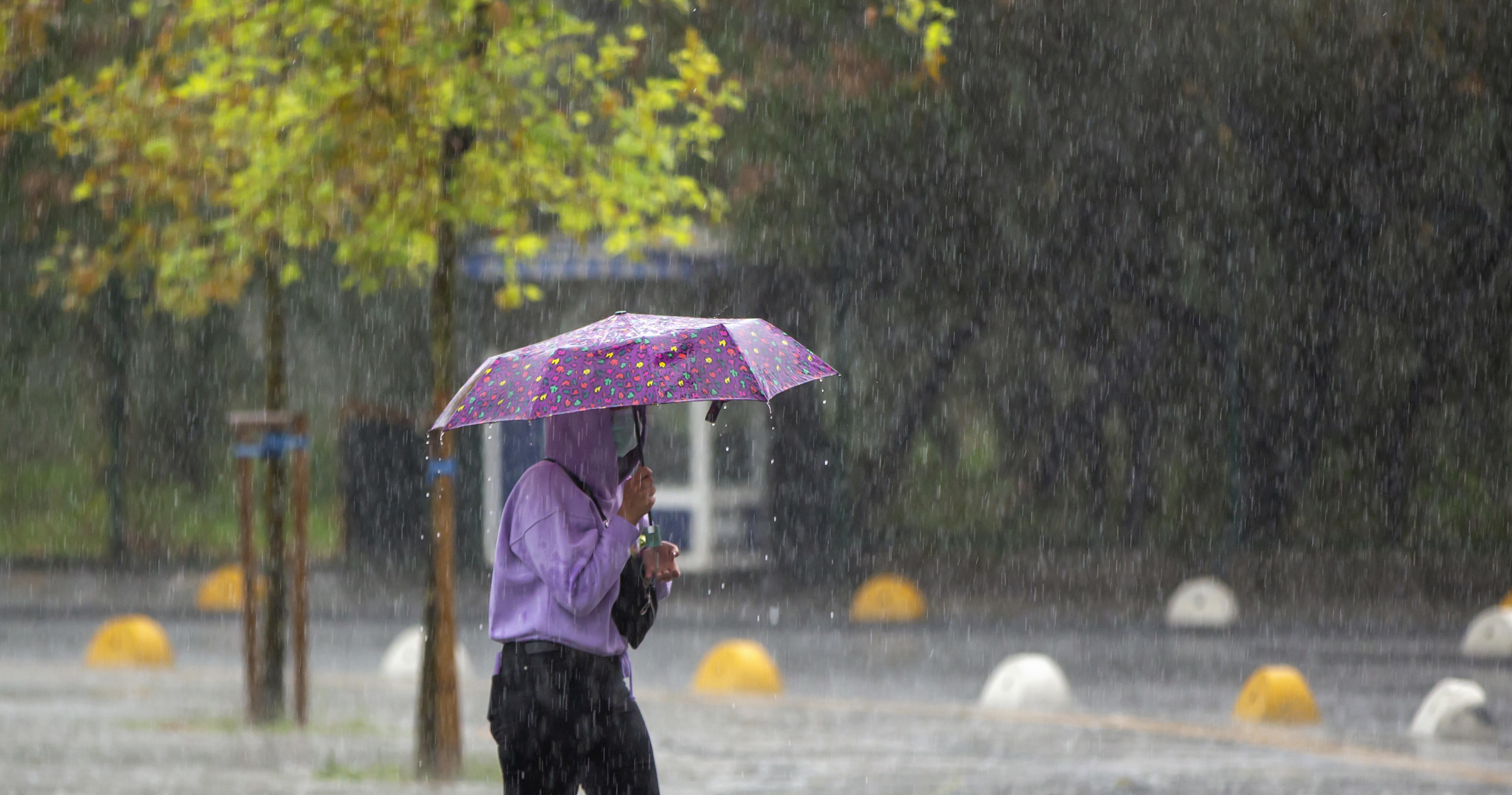 Codurile de vreme rea continuă și luni. În Dobrogea este cea mai ploioasă lună iunie din istoria măsurătorilor meteorologice