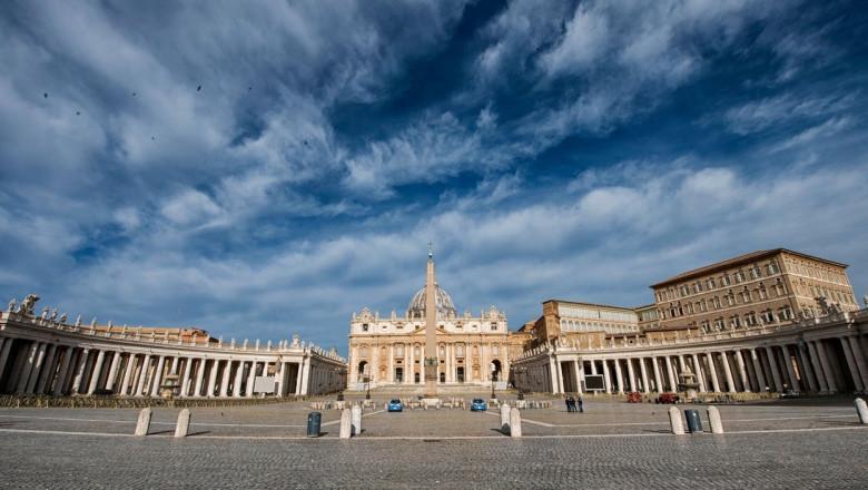 Vatican City Rome in lockdown: San Peter Square