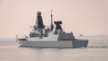 Distrugătorul HMS Defender al Royal Navy