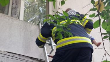pompieri copil pervaz focsani foto monitoruldevrancea