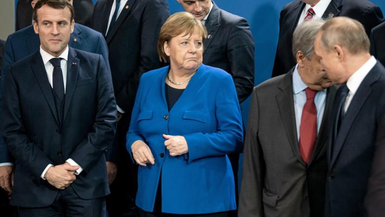Merkel, Macron și Putin înainte de fotografie