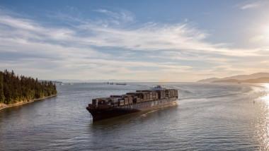 Un vapor de tip cargo deţinut de Israel a fost atacat sâmbătă în Oceanul Indian.