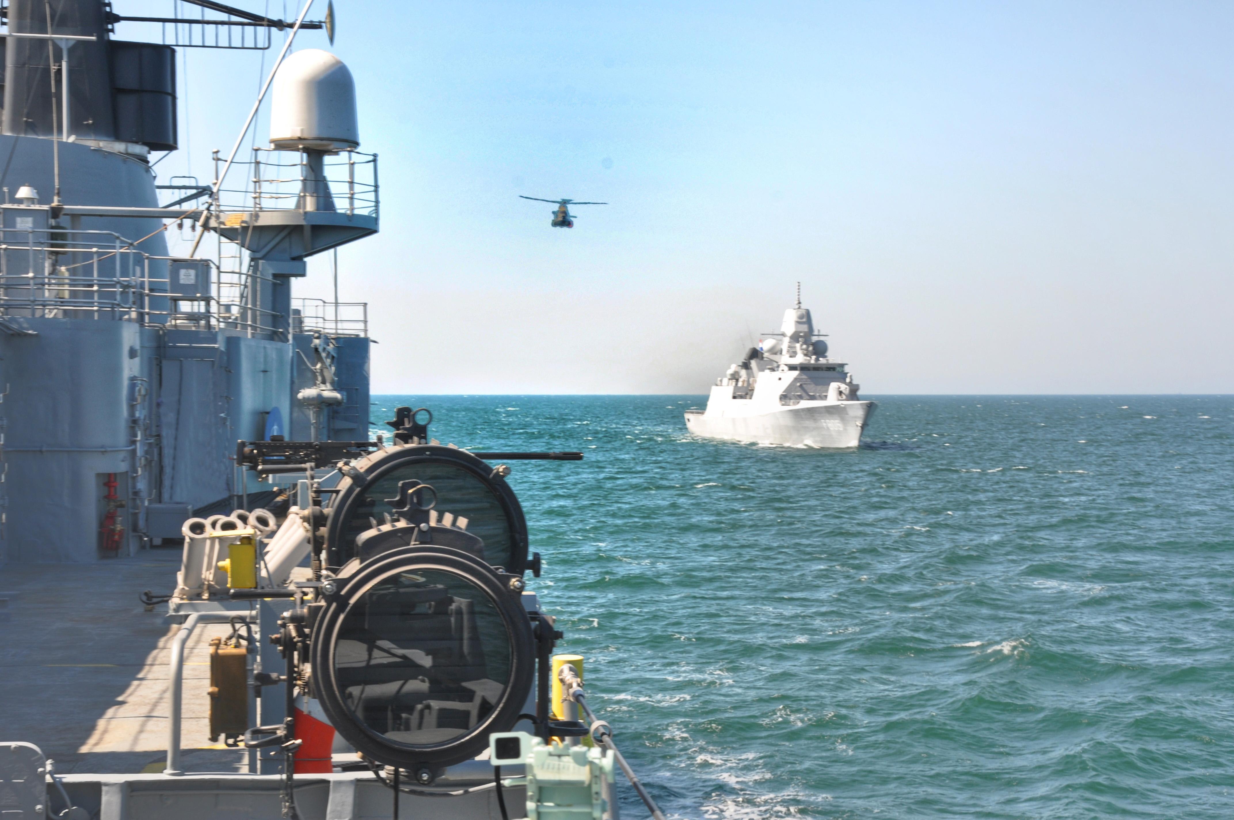 elicopter fregate evertsen maria