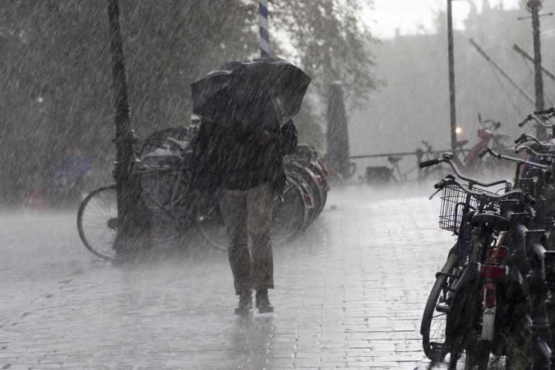 ploaie torențială în Europa