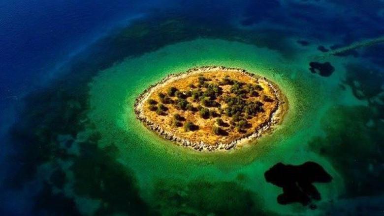 Insula St. Athanasios, Grecia