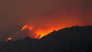 Huge fires over Cyprus mountains