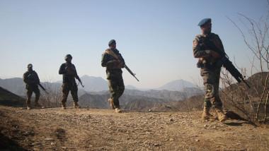 Soldați afgani