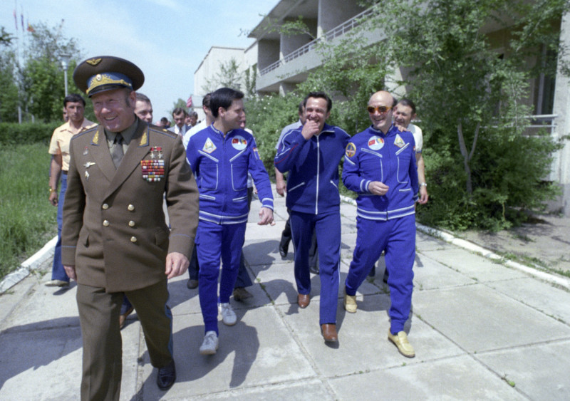 Alexsei Leonov, Leonid Popov, Dumitru Prunariu and Dumitru Dediu.