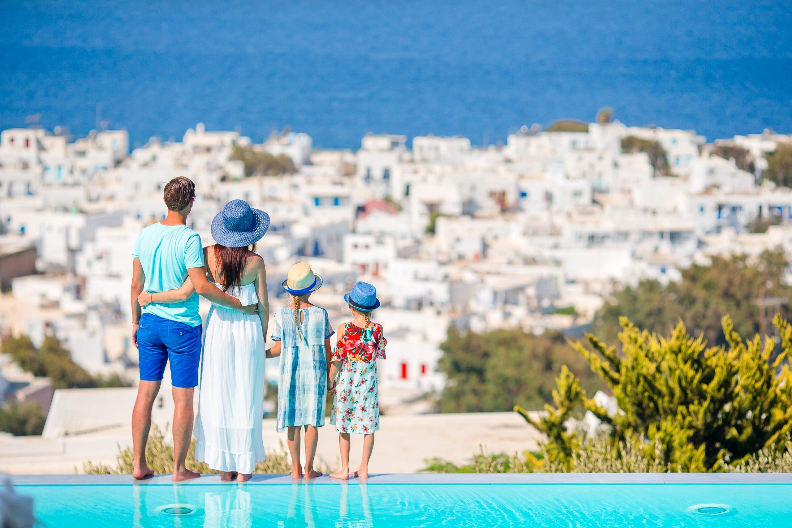 ANAT: Grecia ramane in preferinţele romanilor pentru concedii. Turistii vaccinati nu au nicio problema la revenirea in tara