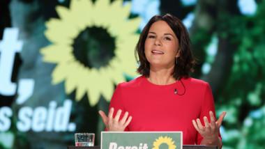 Annalena Baerbock, copreședintele Partidului Verzilor din Germania, vorbește la congresul virtual al partidului Verzilor, la scurt timp după ce delegații au confirmat-o drept candidatul partidului la funcția de cancelar în alegerile din 26 septembrie 2021.