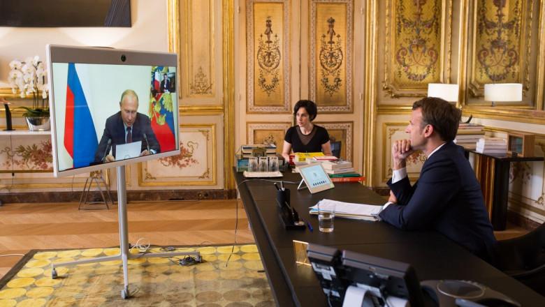 Maron vorbește prin video cu Putin.