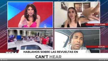 Două femei și un bărbat la un post de televiziune