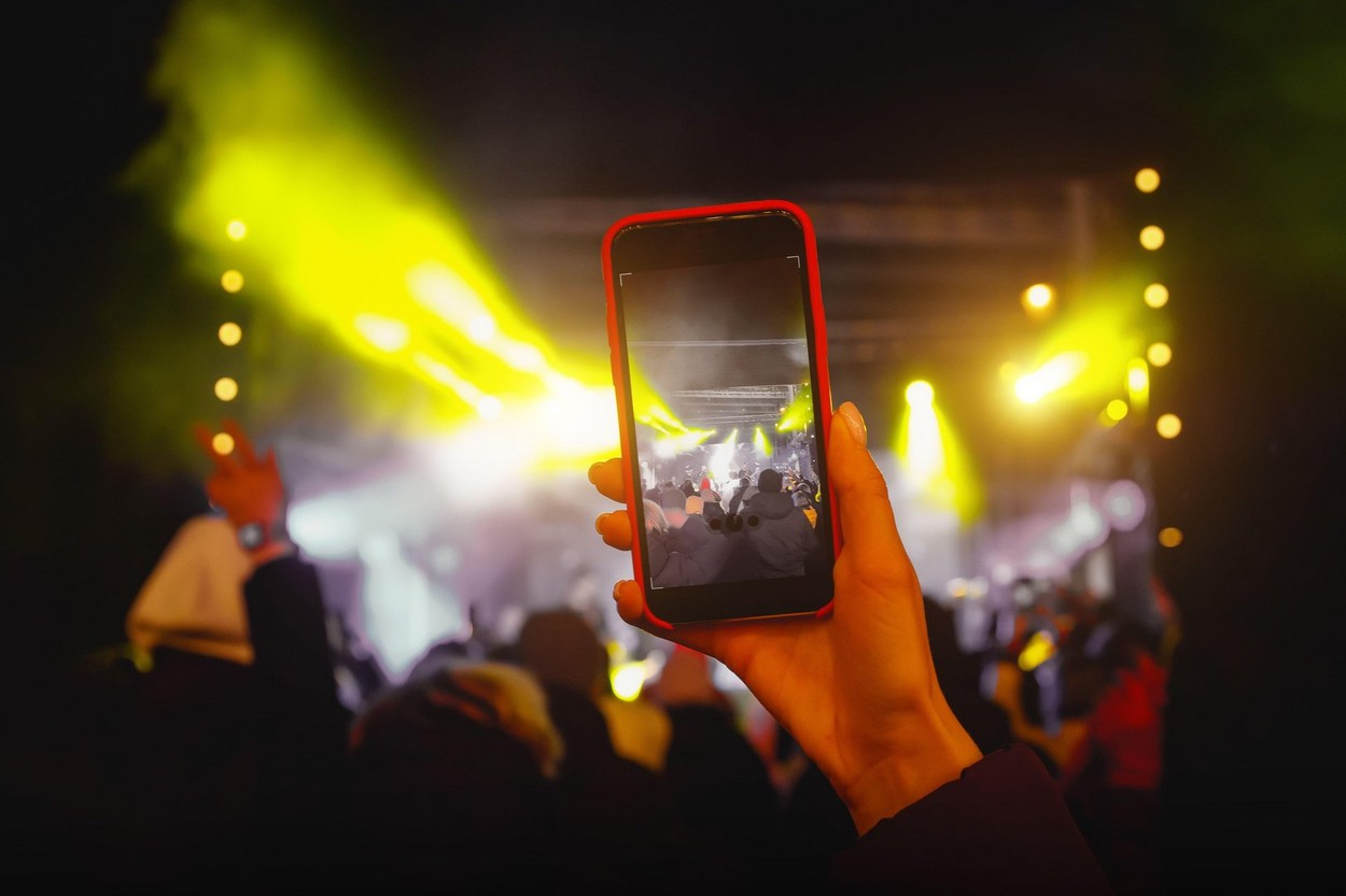1.000 de oameni testați pozitiv cu Covid după un festival de muzică din Olanda