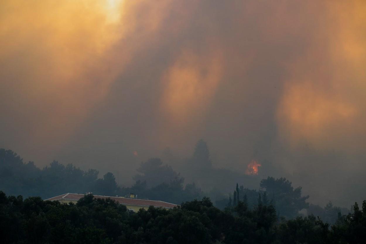 Wildfire On Samos Island Forces Evacuation Of Greek Holiday Resort