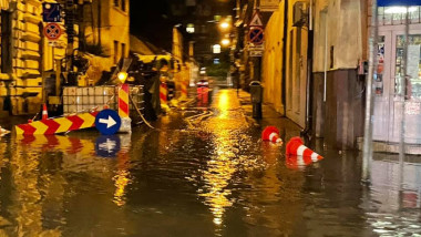 Precipitații abundente și furtună în Cluj-Napoca.