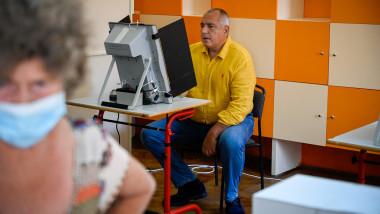 Fostul premier bulgar Boiko Borisov votează la alegerile parlamentare din Bulgaria
