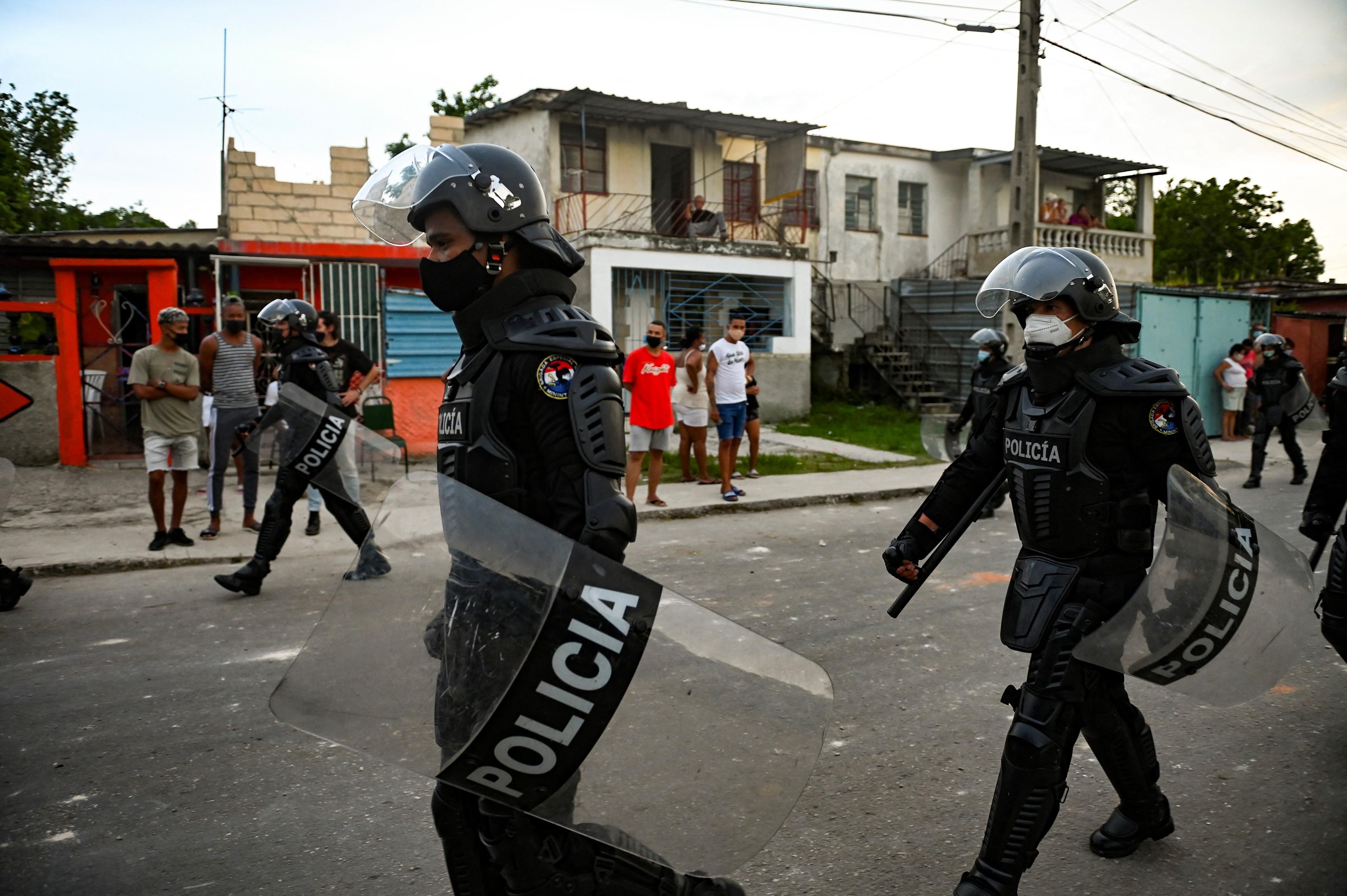 profimedia-politie cuba 2
