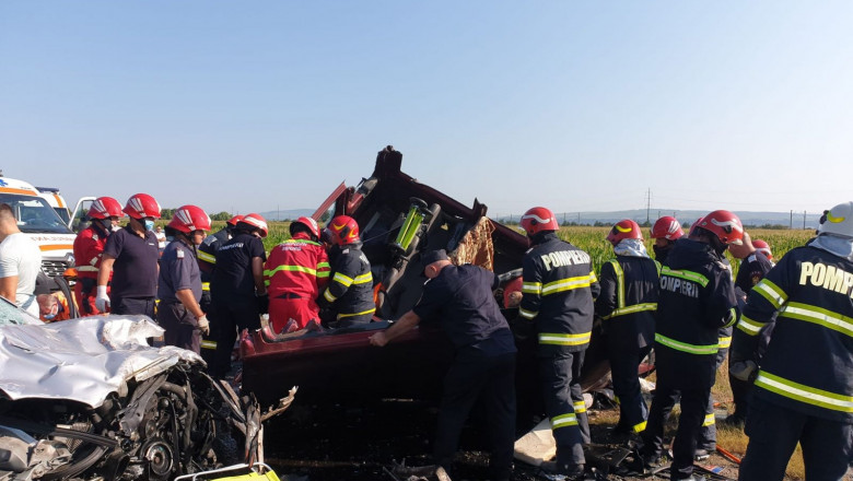 Accident grav pe E85, 7 persoane au murit și alte 5 sunt rănite.